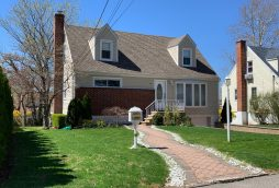 Eastchester single family house near the train station