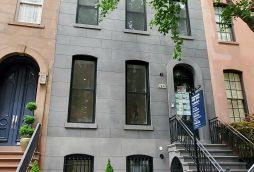 国連総本部まで徒歩1分4階建てタウンハウス 413E 50th